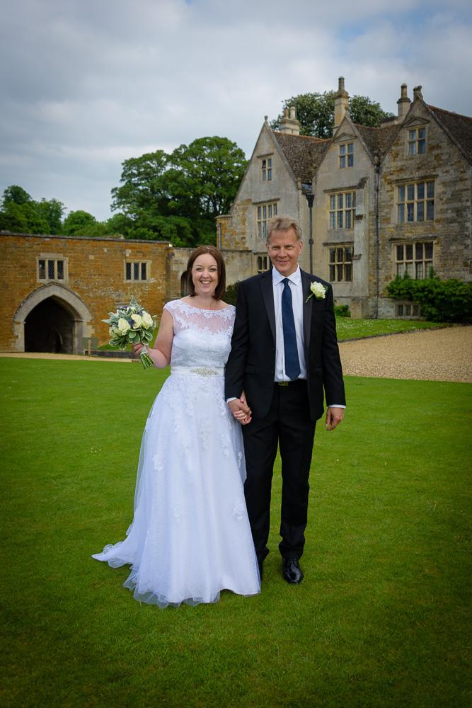 Wedding photographer Northamptonshire - Rockingham Castle - Elli Dean Photography