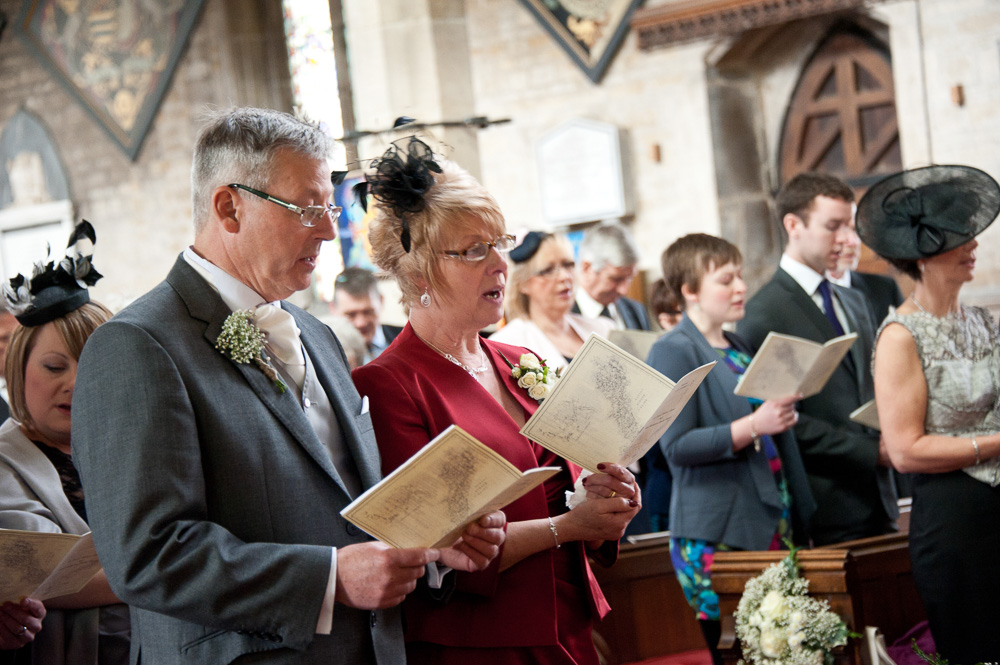 wedding photographer - Bottesford Church - Elli Dean Photography