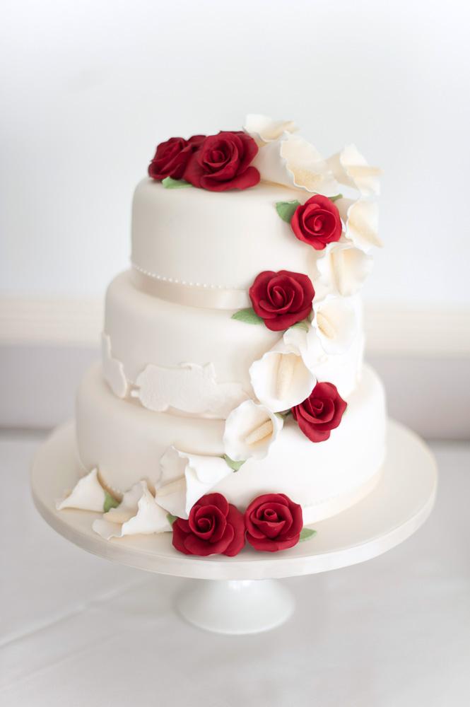 Rutland wedding photographer - wedding cakes - Elli Dean Photography